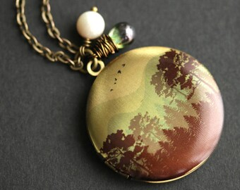Amazon Jungle Locket Necklace. Amazon Necklace with Earthy Green Teardrop and Fresh Water Pearl Charm. Green Forest Necklace. Bronze Locket.