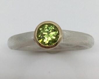 Round Brilliant Cut Peridot Ring