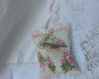 Romantic Victorian Roses Lavender Sachet with Gift Box, Mother's Day Gift, FREE USA SHIP, Cottage Pink Roses, Lavender Sachet Gift