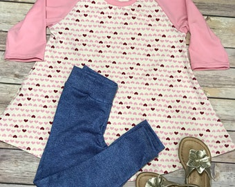 Hearts Print Curved Hem Raglan Tunic