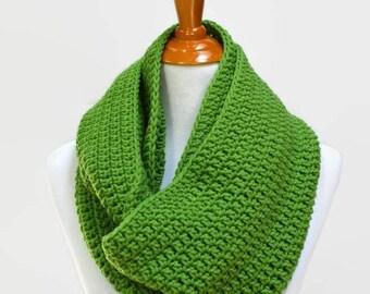 Kelly Green Infinity Scarf, Crochet Scarf, Crocheted Scarves, Circle Scarf, Knit Scarf, Loop Scarf, Green Scarf, Women's, Fashion, Winter