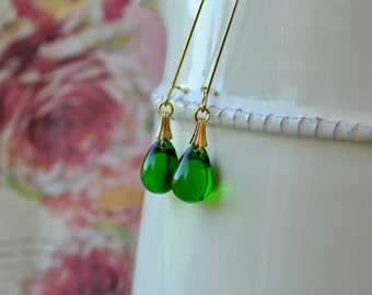 Green Drop Earrings, Emerald Green Earrings, Beaded Earrings, Bridesmaid Gift, Glass Teardrop Earrings, Kelly Green Long Dangle Earrings, UK