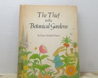 The Thief in the Botanical Gardens, 1975, Diane Redfield Massie, vintage kids book