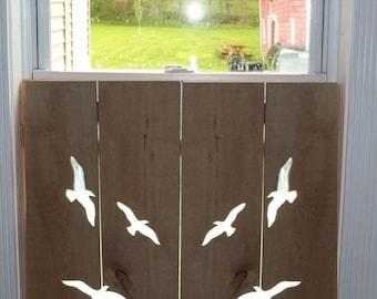 4 Birds Window shutter (interior)