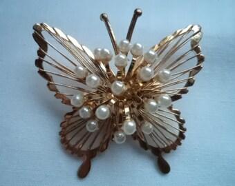 Vintage Unsigned Goldtone Openwork Butterfly Butterfly Brooch