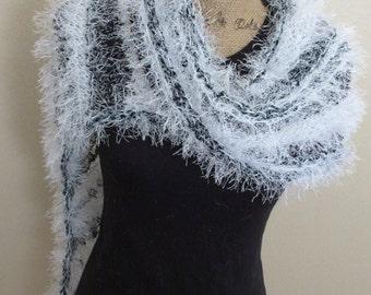 Contrast swoop shawl