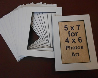 Photo Mats 5 x 7 for 4x6 Photos/Art Ivory/Off White Mats with Black Core Lot of 20 Mats