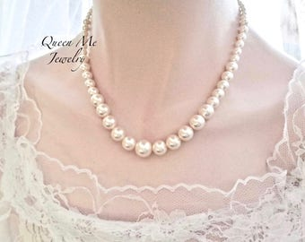 Classic graduating pearl necklace Swarovski Pearl necklace for a Bride Bridesmaids necklace Wedding necklace Mother of the bride Gift
