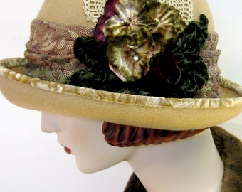 English Country Cloche/ Camel