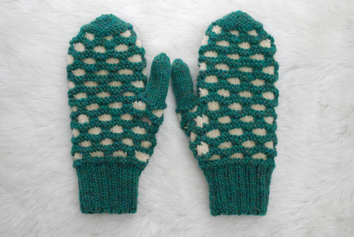 Traditional Newfoundland Honeycomb Double Knit Mittens Heather