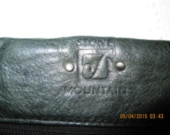 """Stone Mountain buttery soft leather small purse. Charcoal gray. Good vtg. condition. 10"""" W 8"""" L  30"""" strap."""