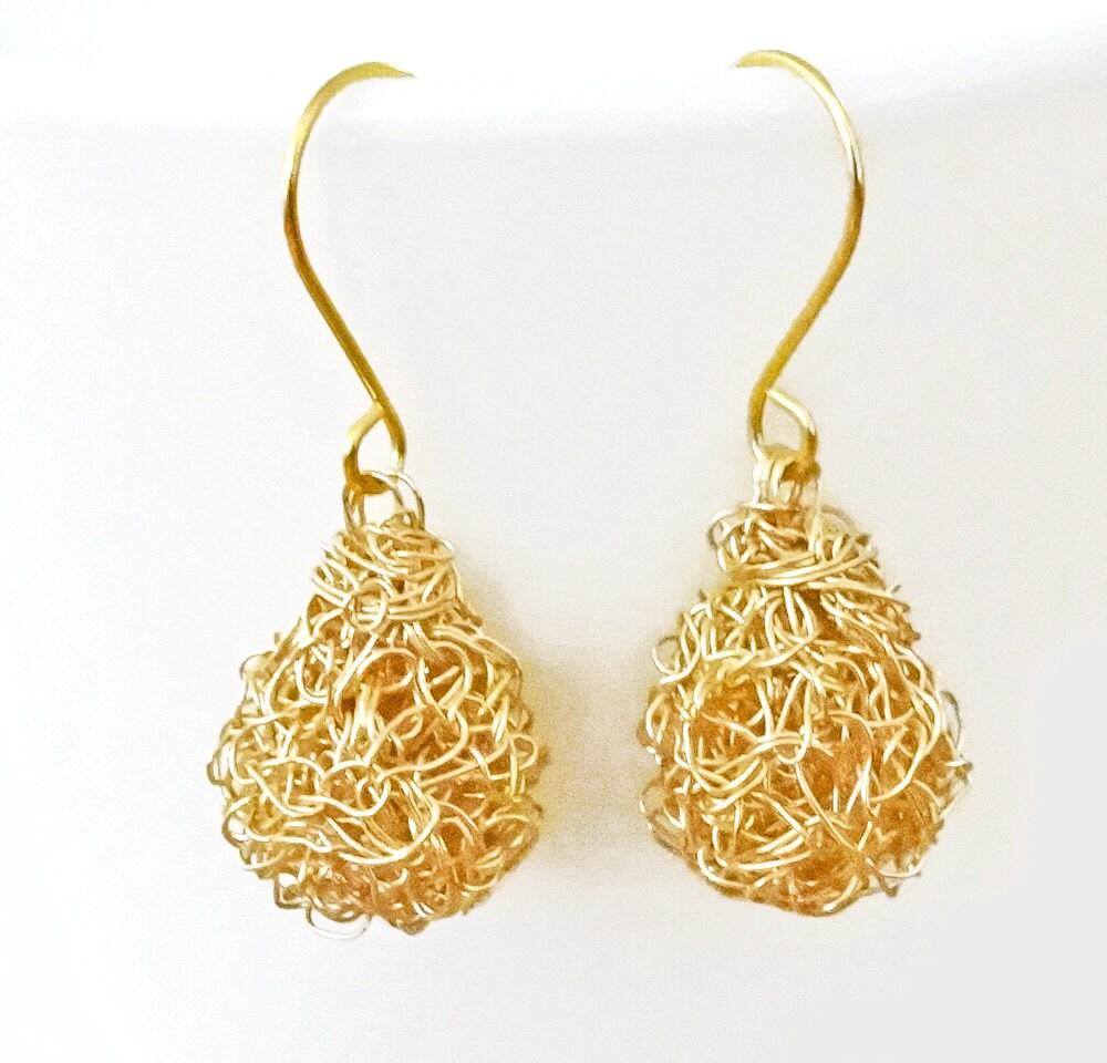 Ohrringe Gold häkeln Draht. Handmade Draht häkeln Ohrringe.