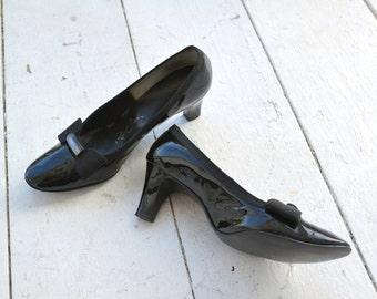 1960s Red Cross Black Patent Heels, Size 7AA