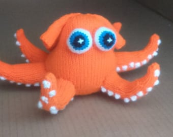 Hank The Octopus Knitting Pattern for a soft toy