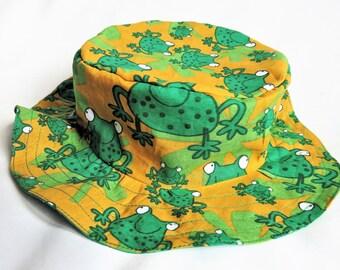 """chapeau, bob en tissu """"aux grenouilles"""""""