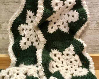 Green Crochet Snowflake Scarf, scarf, snowflake, crochet scarf, winter scarf