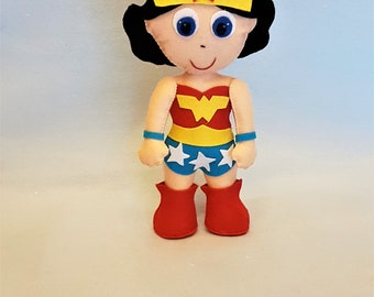 Wonder Woman, powerful woman, superheros, stoffed doll, personalized gift, comic doll collectible, comic doll. made in Italy