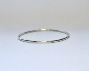 Silver bracelet, round