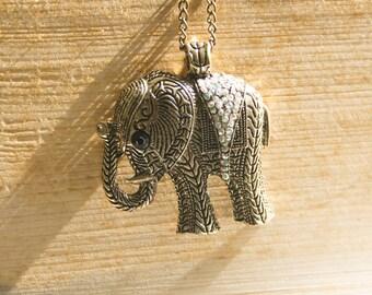 """Vintage Necklace Elephant """"Delia"""""""