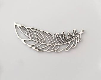 Maxi silver feather pendant
