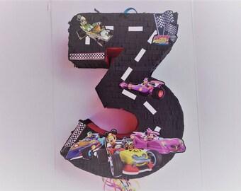 Birthday Celebration Mickey Racers Pinata. Celebración cumpleaños piñata de Superpilotos