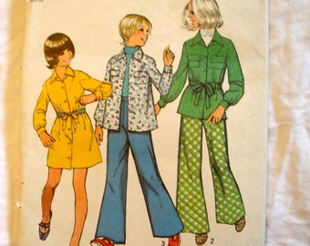 Vintage Simplicity  Pattern Size 12 5824