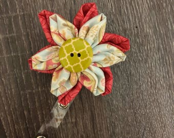 Double flower badge reel