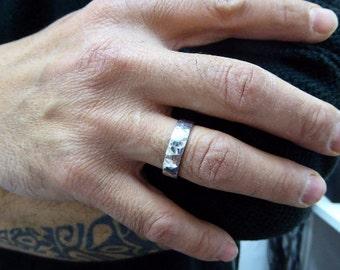 men wedding ring. 6.5/1mm. Men wedding band. Hammered wedding band. 14K Hammered white gold wedding band .gold ring