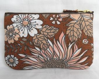 1970's Retro Vintage Make Up Bag, Zip Purse, Pouch - Brown and Salmon Floral Print. Ipod & Earphones Case