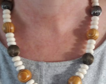 Ladies beaded necklace chunky statement necklace
