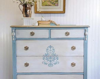 Vintage 5 drawer Shabby Chic Dresser