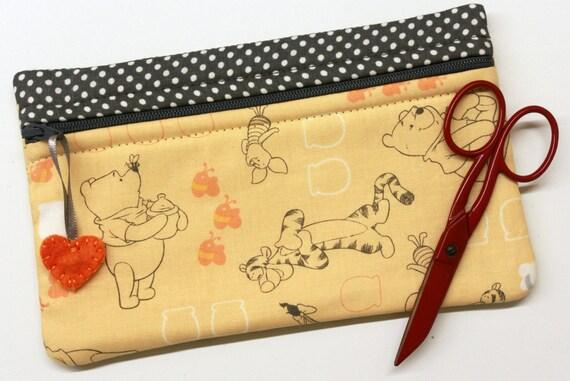 Side Kick Pooh and Friends Bag