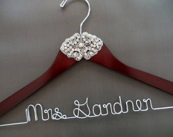 Personalized Bride Hanger, Rhinestone Wedding Hanger, Crystal Bride Hanger, Rhinestone Wedding Dress Hanger, Mrs Hanger, Wedding Coat Hanger