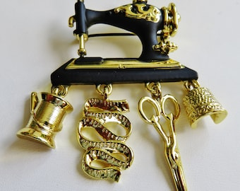 Danecraft Vintage Sewing Machine With Dangling Sewing Charms Brooch Pin