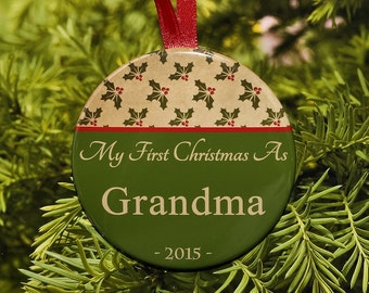 First Christmas As Grandma Ornament - Vintage Green Holly - C084 New Grandma