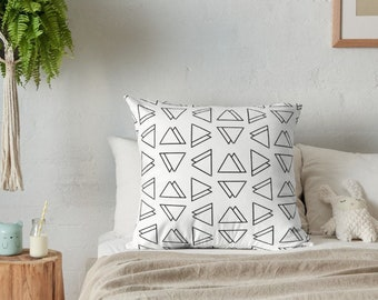 Triangles throw pillow , geometric pillow , decorative pillow , pillow cover , triangle pillow , decorative pillows , triangles , pillow