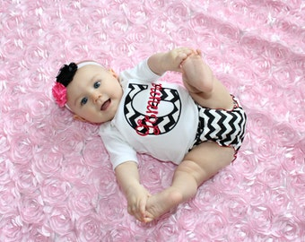 Personalized Baby Girl Clothes Newborn Gril Take Home Outfit Chevron Diaper Cover Headband Gift Set  Monogram Baby Girl Outfit