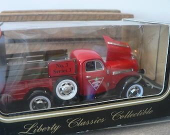 Rouge Die Cast métal camion Studebaker 1938 - Canadian Tire camion collection - Canadiana - Liberty Classics camion - ramasser - camion