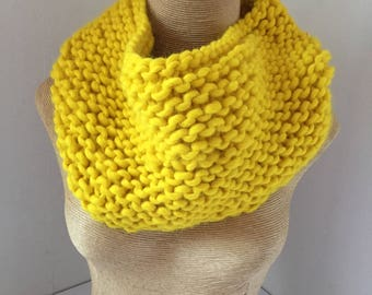 Snood, thick wool, Sunshine yellow