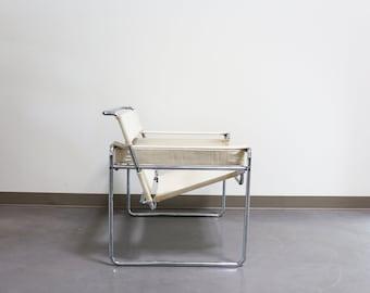 Stendig / Gavina Wassily B3 by Marcel Breuer in White Canvas
