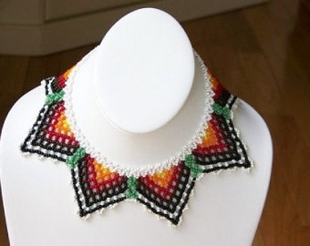 Stunning vintage handmade all-beaded necklace
