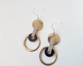 eclipse . drop . earrings