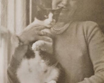 Original Vintage Photograph | The Lady with the Cat | 1949