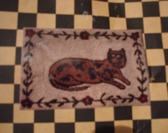 Hooked on Rugs primitive cat rug