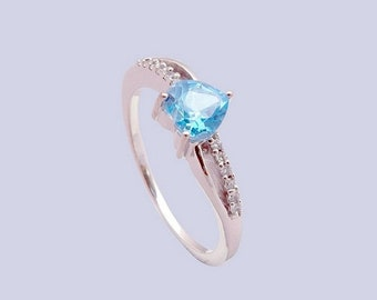 Handmade 925 sterling silver ring with Blue topaz gemstone
