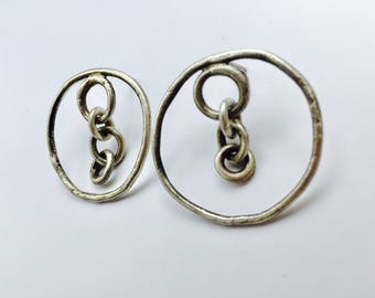 Circle chain link post earrings. Lisa Colby Metalsmith (E279)