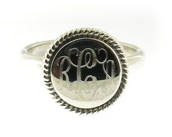 925 Sterling Silver Monogram Round with Rope Edge Signet Ring with High Polished Band