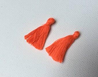 Set of 2 tassels in 25 mm neon orange cotton