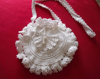 Cute little bag in white cotton and lined