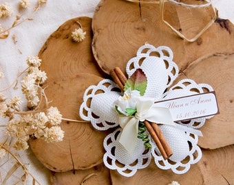 Italian wedding favors Bomboniere - Textile flower with Cinnamon stick